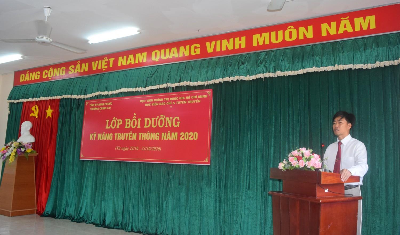 ThS. Nguyễn Thanh Thuyên phát biểu tại buổi Khai giảng