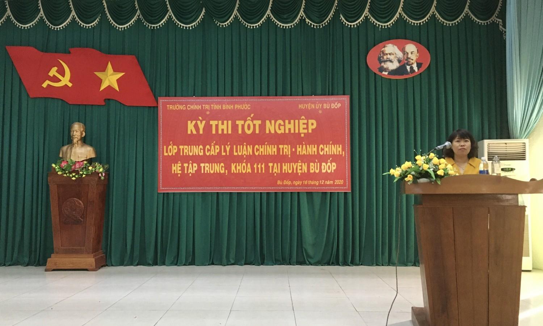 ThS. Nguyễn Thị Khuyến – Trưởng phòng Quản lý Đào tạo, Nghiên cứu khoa học phát biểu khai mạc kỳ thi