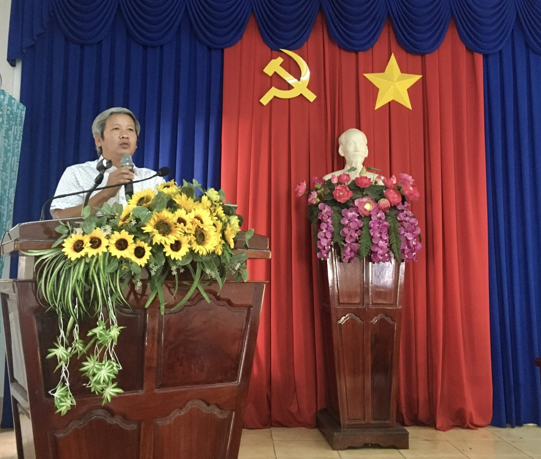 Đồng chí Đỗ Tất Thành phát biểu tại buổi khai mạc kỳ thi tốt nghiệp lớp TC106