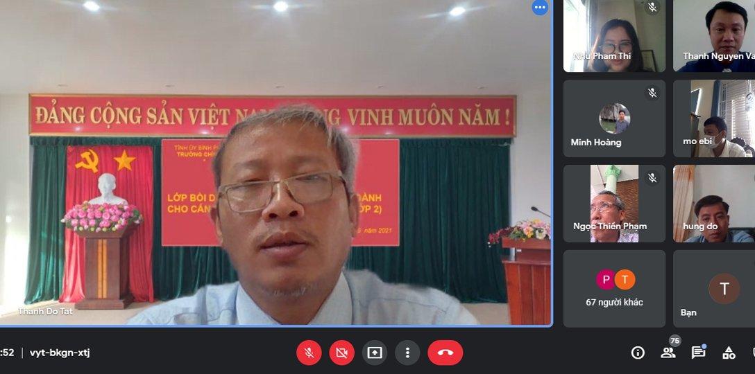 ThS Đỗ Tất Thành, Phó Hiệu trưởng phát biểu tại buồi bế giảng