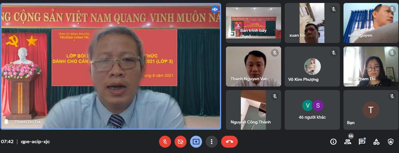 ThS. Đỗ Tất Thành -  Phó Hiệu trưởng phát biểu khai giảng lớp học